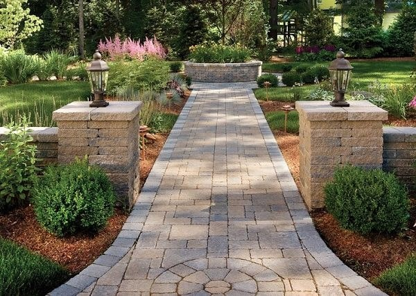 Top 11 Cheap Environment-Friendly Ideas for your Backyard Path & Walkways 4