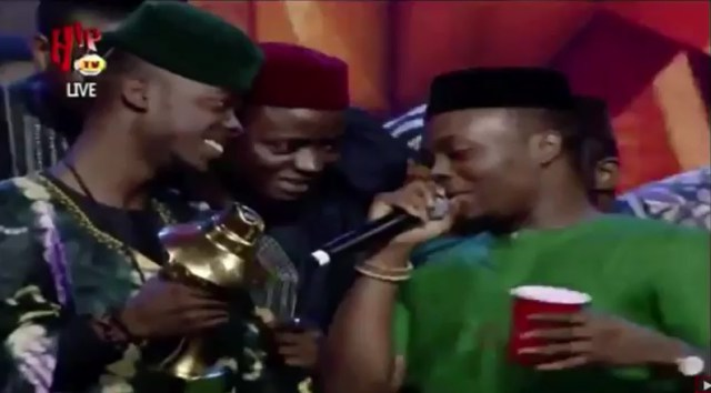 """Watch-Olamide's-Reaction-at-The-Headies-After-Lil-Kesh-Loose-""""Next-Rated"""
