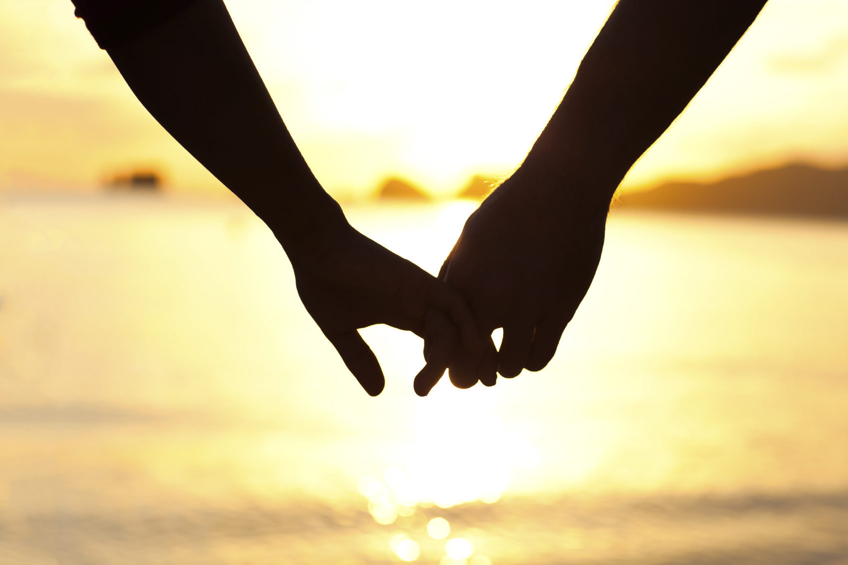 images-of-couples-holding-hands