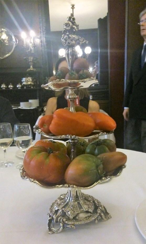 Repertorio de tomatres de temporada. / B