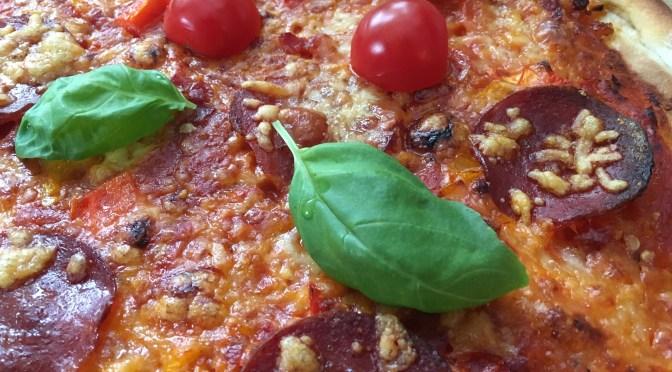 Salami Pizza Spezial