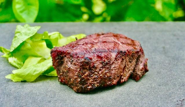 Steak Cut: Rinderfilet im Pfeffermantel