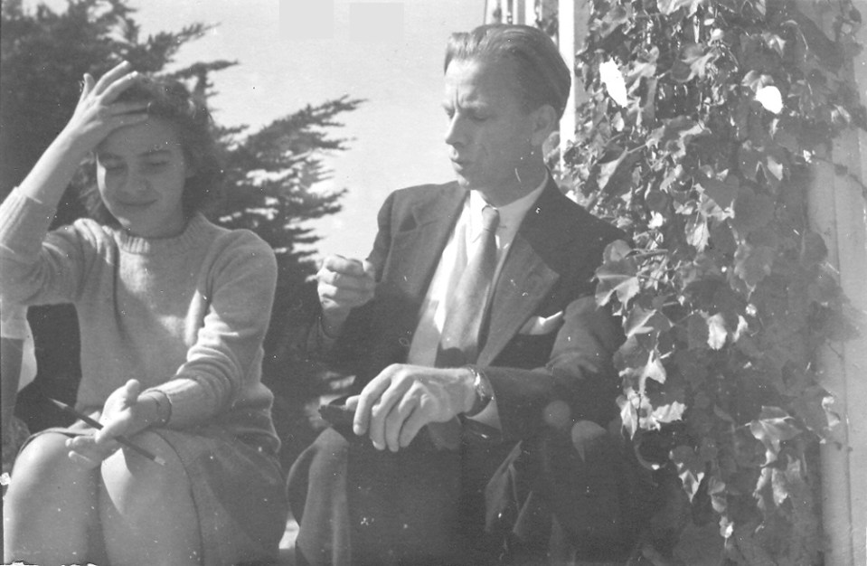 Esther & van Niel J. Loeb Lab HMS 1945