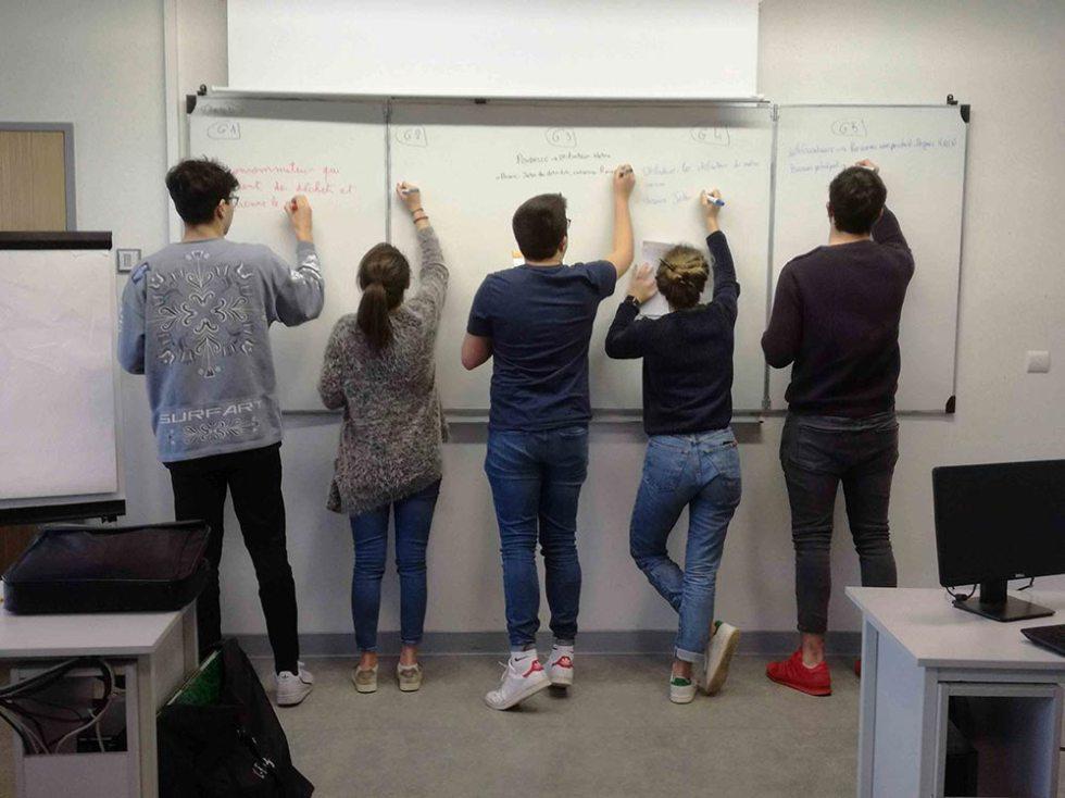 Initiation au design, méthode active de groupe