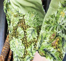 Close Up Green Kebaya Details
