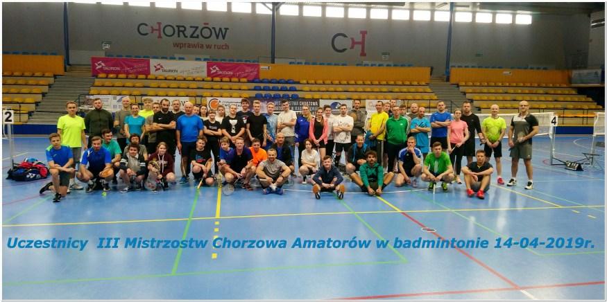 Uczestnicy III Mistrzostw Chorzowa Amatorów w badmintonie