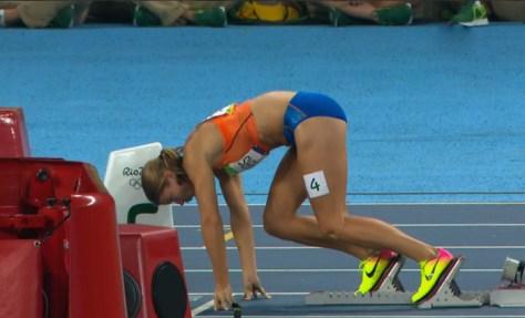 De start van Dafne Schippers in de finale van de 200 meter in Rio