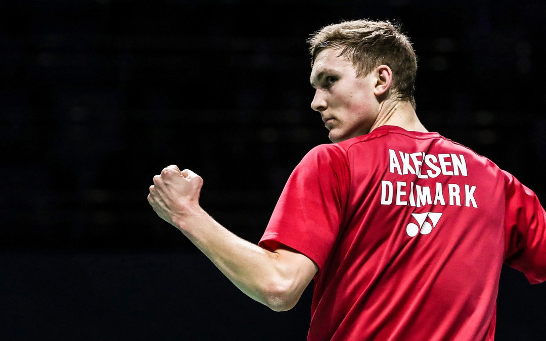 Viktor Axelsen playing on two courts – WC 2018