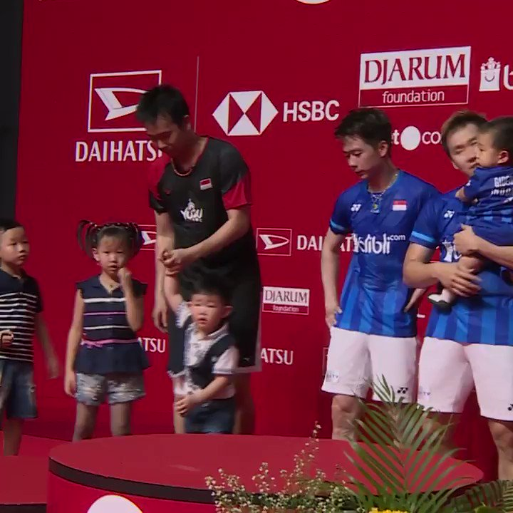 GggoAhyf UE9lSnV - Badminton is a family sport Catch the action LIVE on HSBCBWFbadminton IndonesiaMasters2020 HSBCRaceToGuangzhou WorldTour