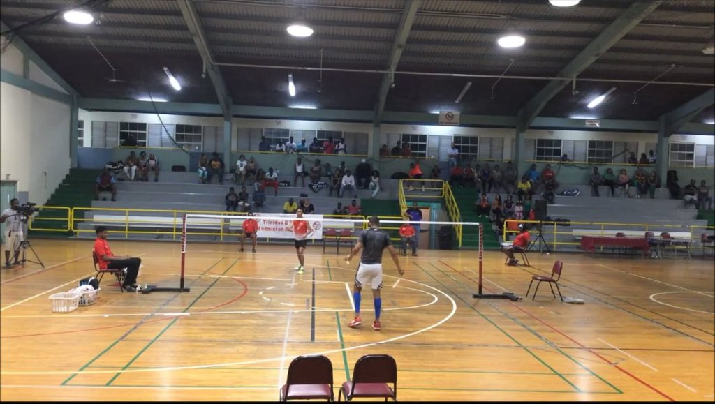aaayCqo3umfmrx4R - MISSING BADMINTON Flash back to this back and forth play between and Anil Seepaul at the 2015 National Badminton Championships MS Final Badminton StayHomeWithTotalSporTT Full video via Nicholas Bonkowsky on YouTube