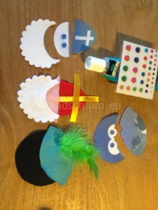 Sinterklaas en zwarte piet slinger_figuurtjes knippen 1