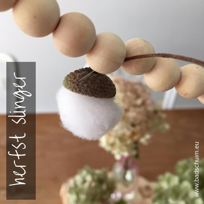 Herfstslinger maken met eikeltjes I stap 3 I gemaakt door het creatief lifestyle blog Badschuim