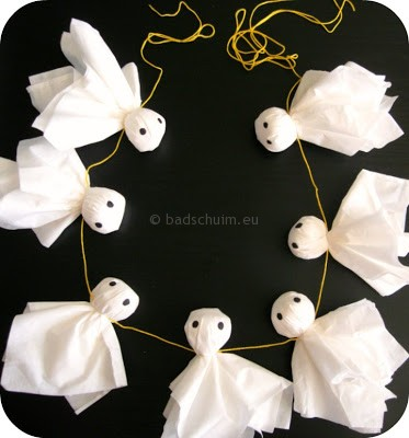Knutselen Halloween - spookjes slinger I te vinden op het creatief lifestyle blog Badschuim