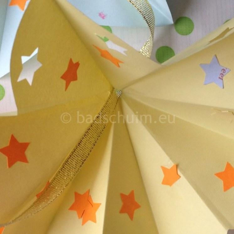 papieren bloemen slinger 01