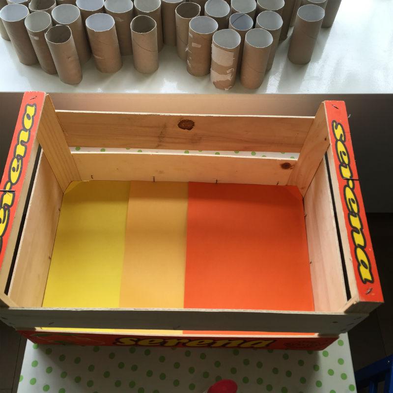 wc rolletjes garage, garage van wc rolletjes, wc rol garage, knutselen met wc rolletjes, wc rollen garage
