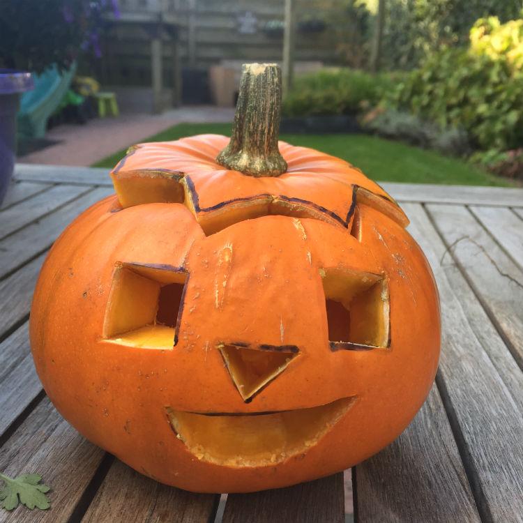 Zeer Pompoenen uithollen - Maak je eigen Halloween pompoen gezichtjes #YY46