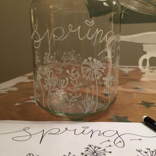 Krijtstifttekening op een vaas - Krijtstift DIY