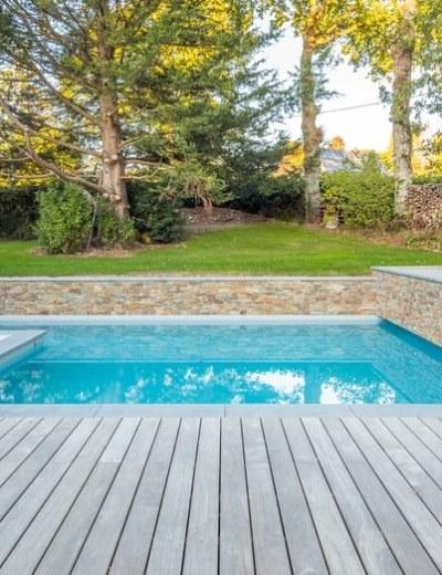 Zwembad-of-zwemvijver-waar-ga-jij-deze-zomer-in-zwemmen