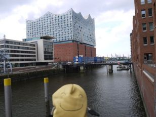 more serious tourism in Hamburg (Yoyoma is not as good at it as me)
