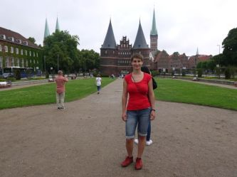 people keep getting into my picture in Lübeck