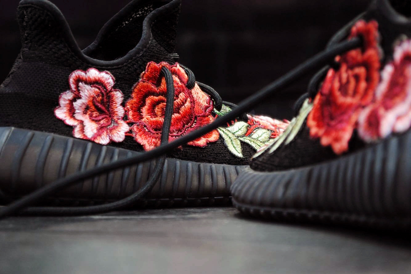 adidas Yeezy Boost 350 V2 FRE Customs Floral Flowerbomb - 79627