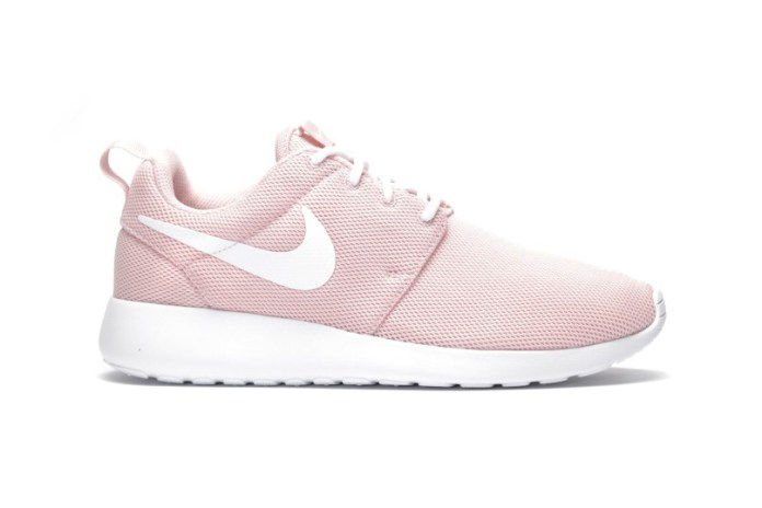 "Nike Roshe One ""Sheen"" Looks Like a Pink Ballet Slipper"