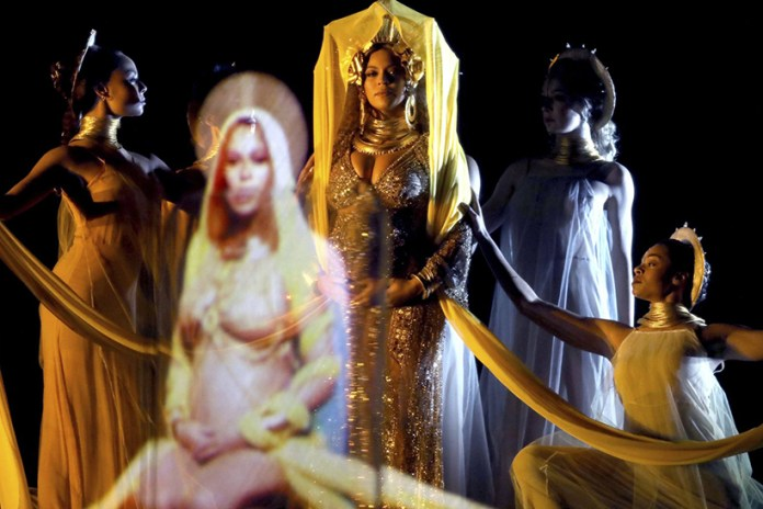 Watch Beyoncé's Jaw-Dropping Performance at the 2017 Grammy Awards