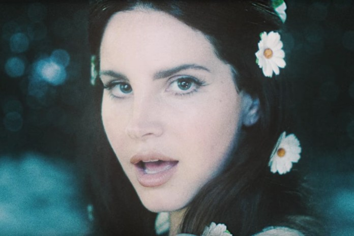 """Lana Del Rey Goes Space-Travelling In Her """"LOVE"""" Music Video"""