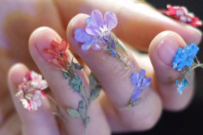 Is Dry Flower Nail Art Going to Be a New Thing?