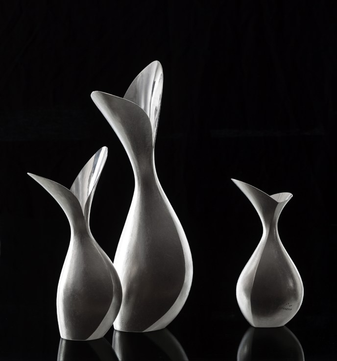 9HeurekaSeries_Fleur_Pitchers_SterlingSilver_PhotoOleAkhoej_2a