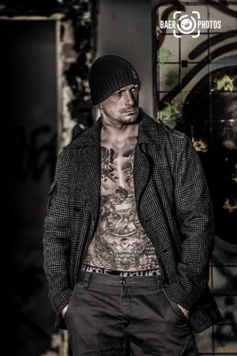 Shooting-Baer.Photos-Fotograf-Holger-Bär-Model-Toni-Anthony-Scott-Barton-Tattoo-Lost-Place