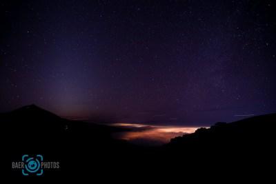 Landschaft-Baer.Photos-Fotograf-Holger-Bär-Sterne-Teneriffa-Wolken-Stadtlichter-Berge-Vulkan