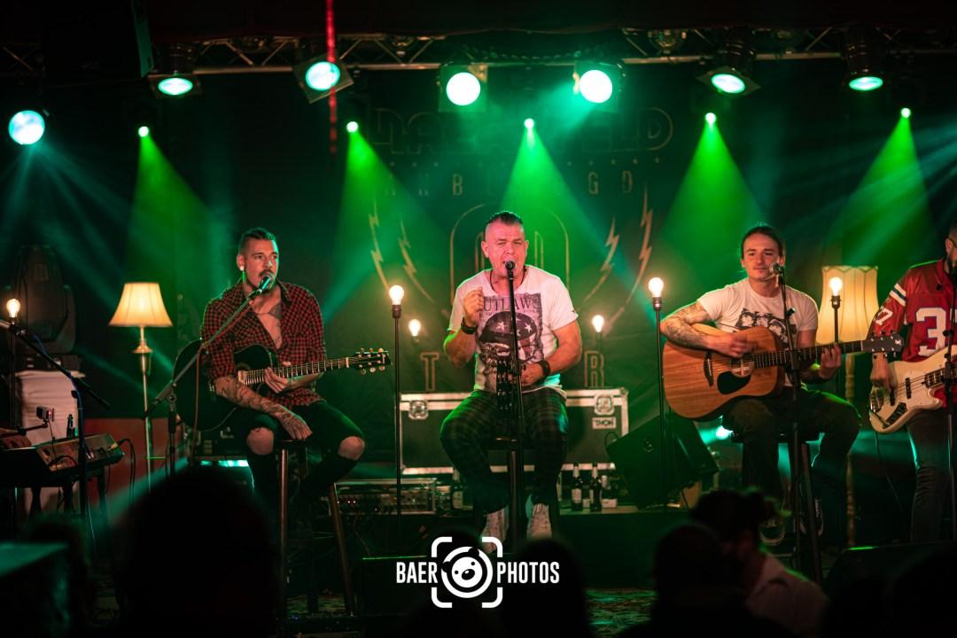 Konzert-Musik-Live-Baer.Photos-Fotograf-Holger-Bär-Groove-Lounge-Bar-Maerzfeld-Heli-Reißenweber-Sänger-Gitarre-Gitarrist-Mike-Sitzmann
