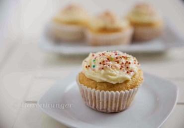 Zitronen Buttercreme Cupcakes