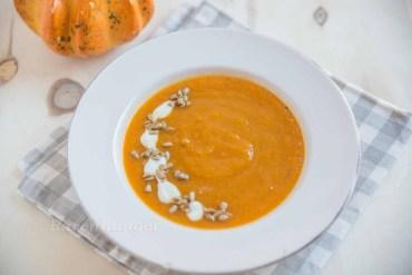 Süsskartoffel Suppe mit Zitronengras und Ingwer