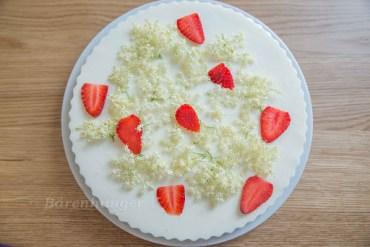 Holunder Joghurt Torte
