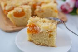 Marillenkuchen mit Frischkäseschicht