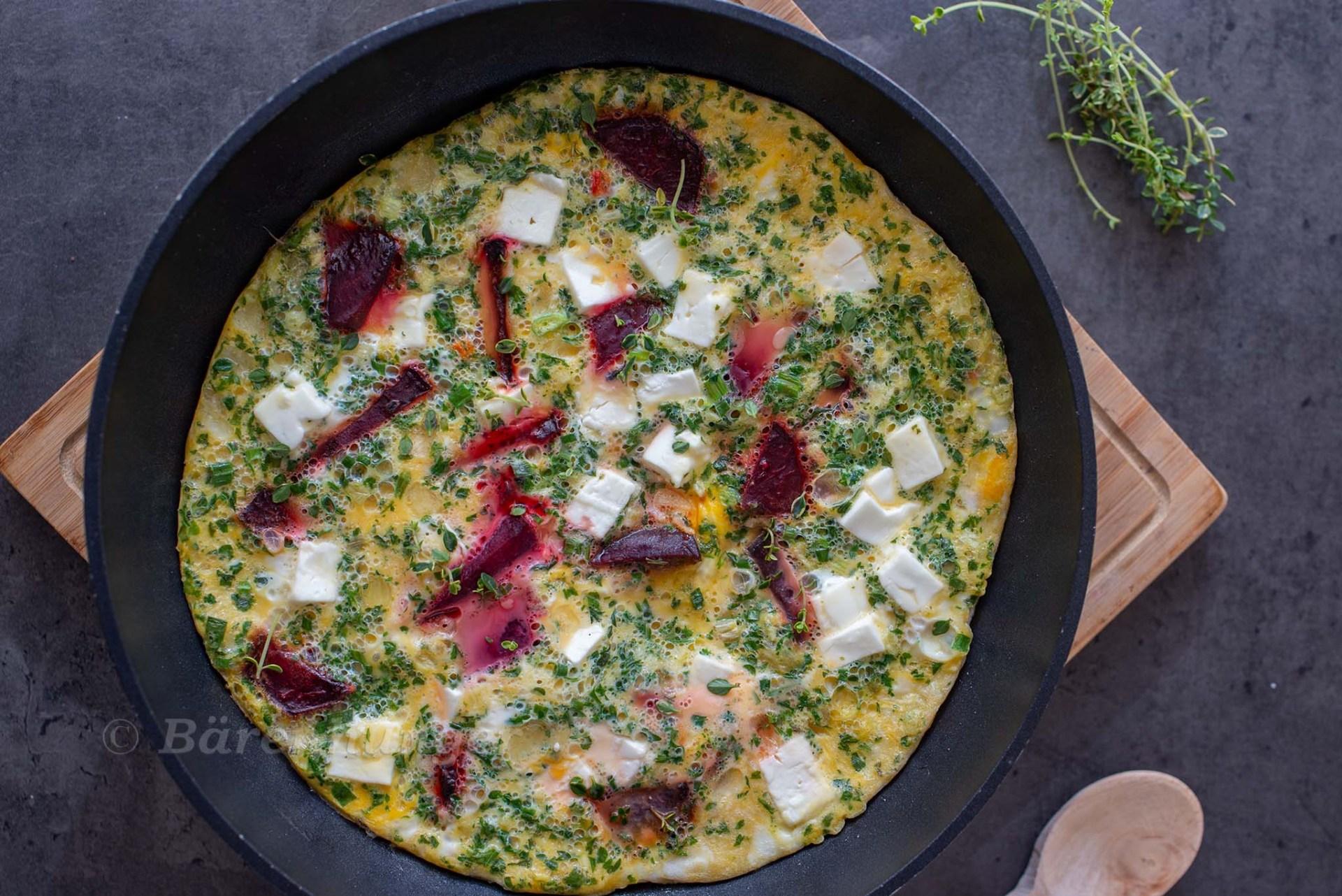 Frittata mit gerösteter Roter Bete und Feta