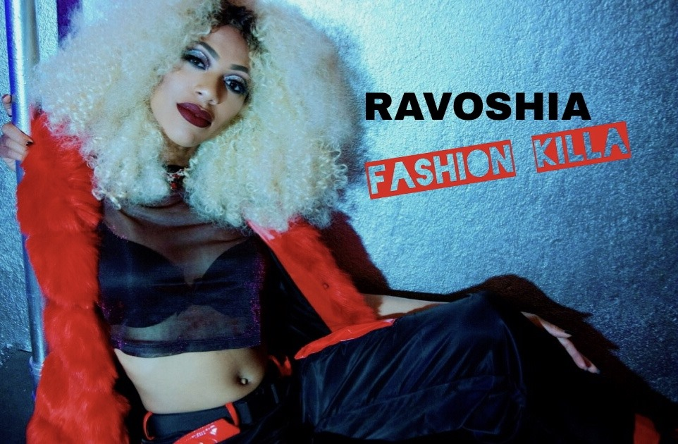 'Ravoshia' brings her exotic solid rhythmic female strength to South Africa as her Afro-Trap addictive dark sexy sound and melodic rising fly dope voice excites the Bafana FM playlist.