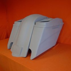 Harley Davidson 5″ Extended Stretched Saddlebags With Cut Outs Fender + Dual 6 x 9 Speaker Lids
