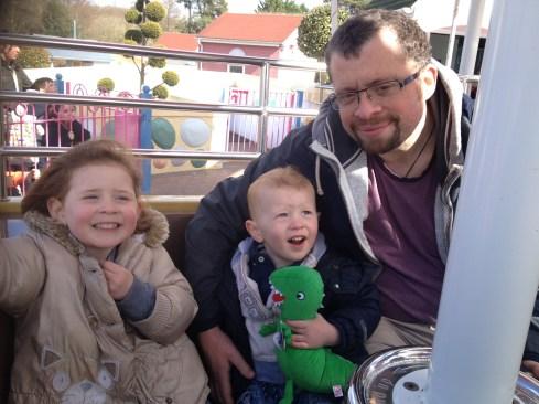 Daddy, Amélie and Ezra