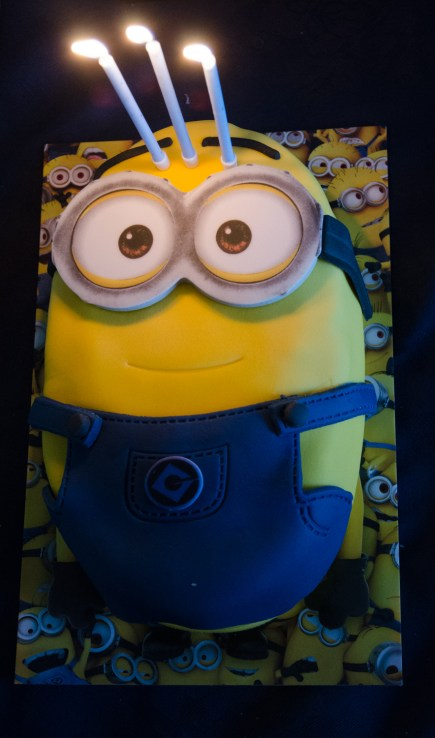 A despicable birthday cake