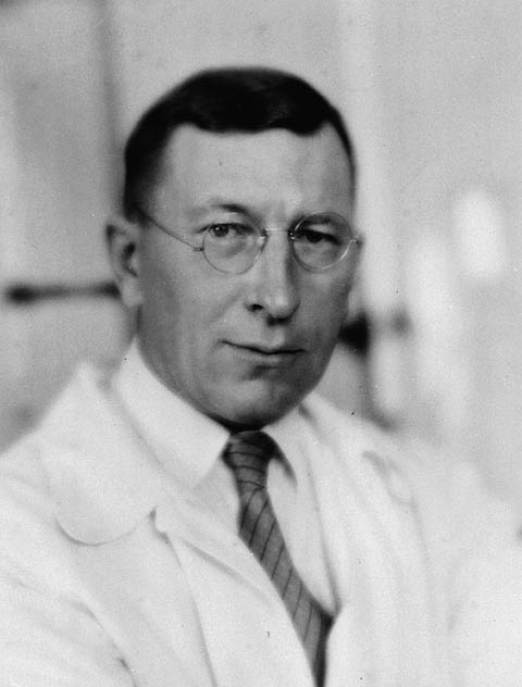 Frederick Banting Is the First Human to Use Insulin to Treat Diabetes