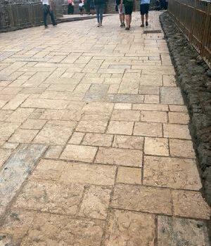 bagiastone-caliza-escobedo-calle