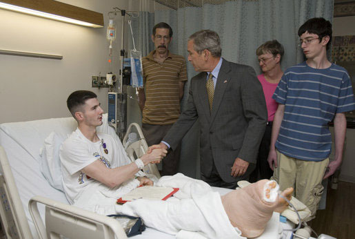 Pres. Bush visits a wounded Warrior in 2007