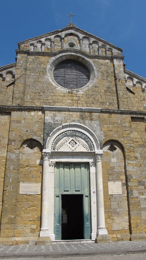 the door to  Duomo S. Maria Assunta
