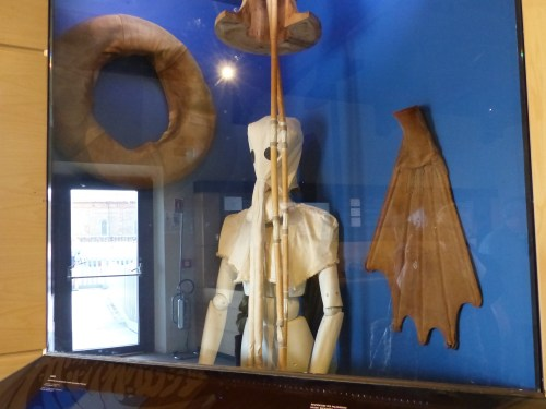 Leonarodo's diving suit