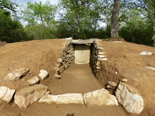 Etruscan tombs at Rocca di Frassinello