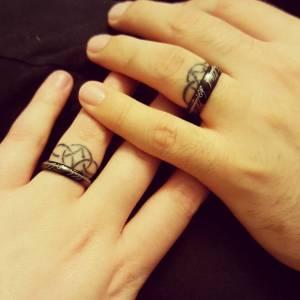 Le Ring Tattoo