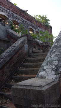 capones island old stairway